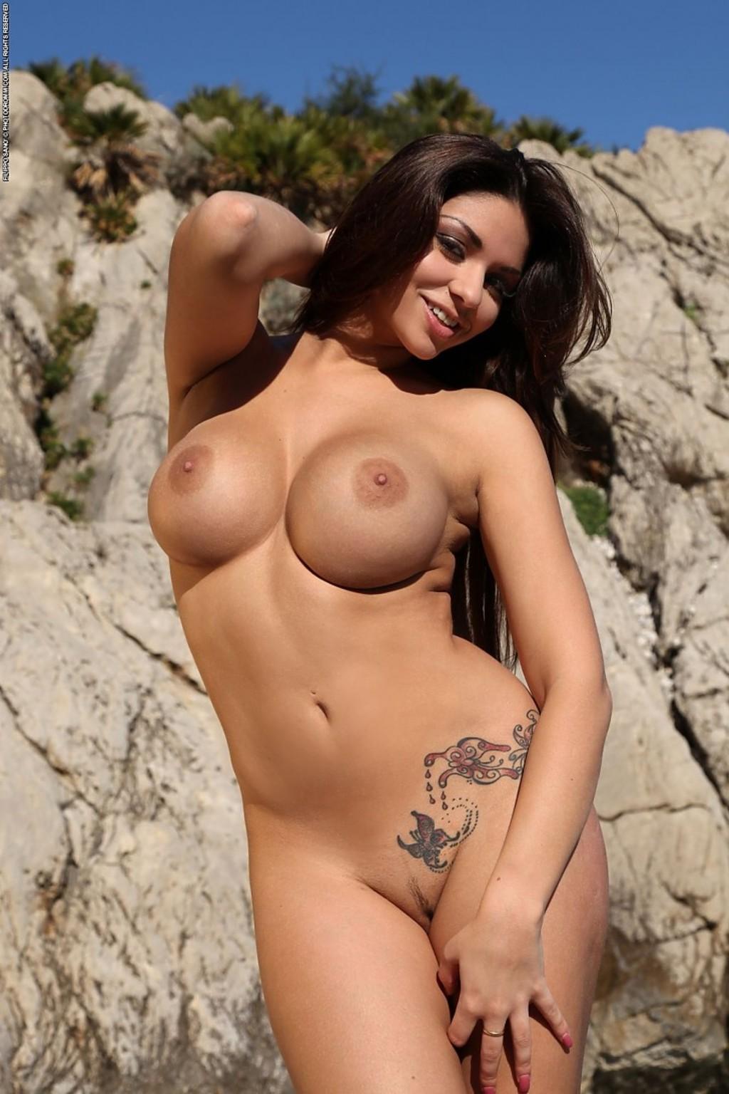 Female nude bikini babes 14