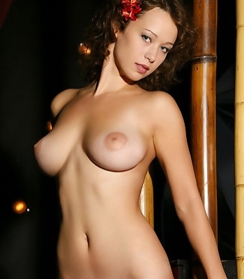 Nude Beautiful Hottie