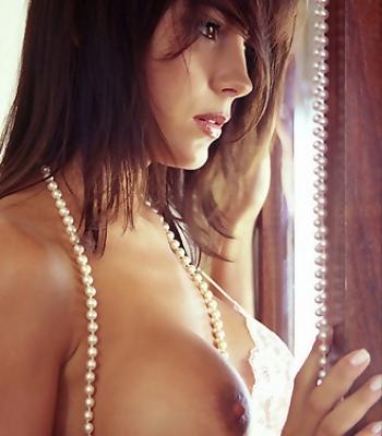 Brunette Sexy Erika