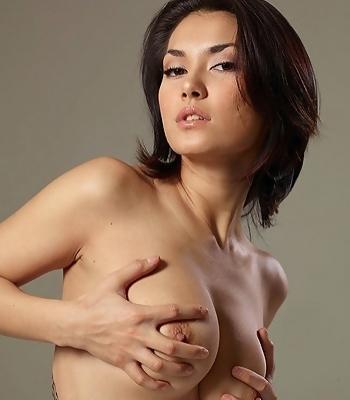 Sexy Maria Nips